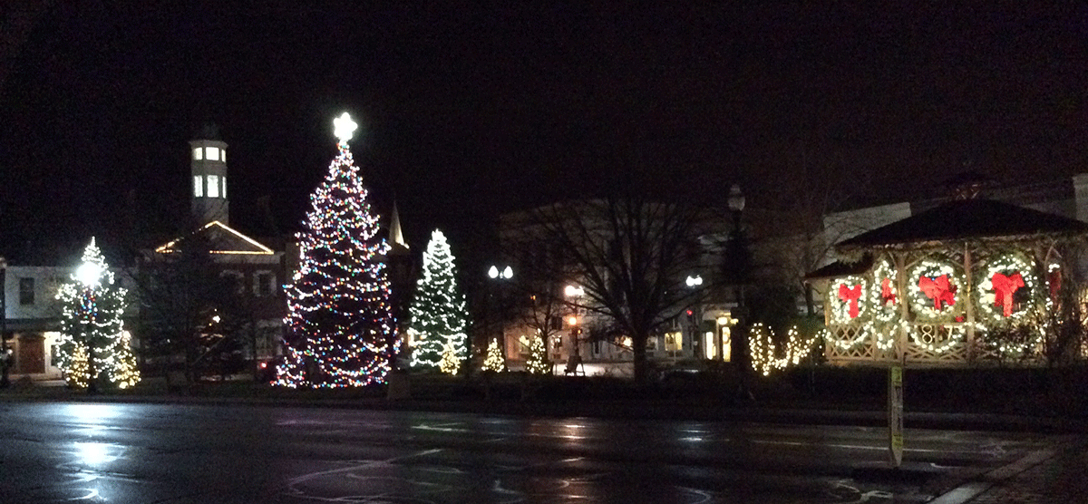 Chagrin Falls Oh Triangle Park Lighting Of The Greens And Deck Events